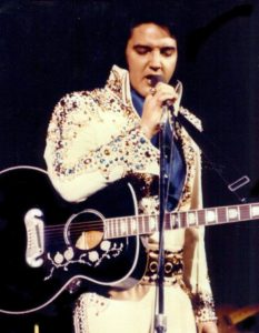 52321d1dd4faffce6f843578f8c2d737--the-suits-elvis-presley