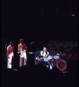 1975, august 19, Elvis live at Las Vegas02
